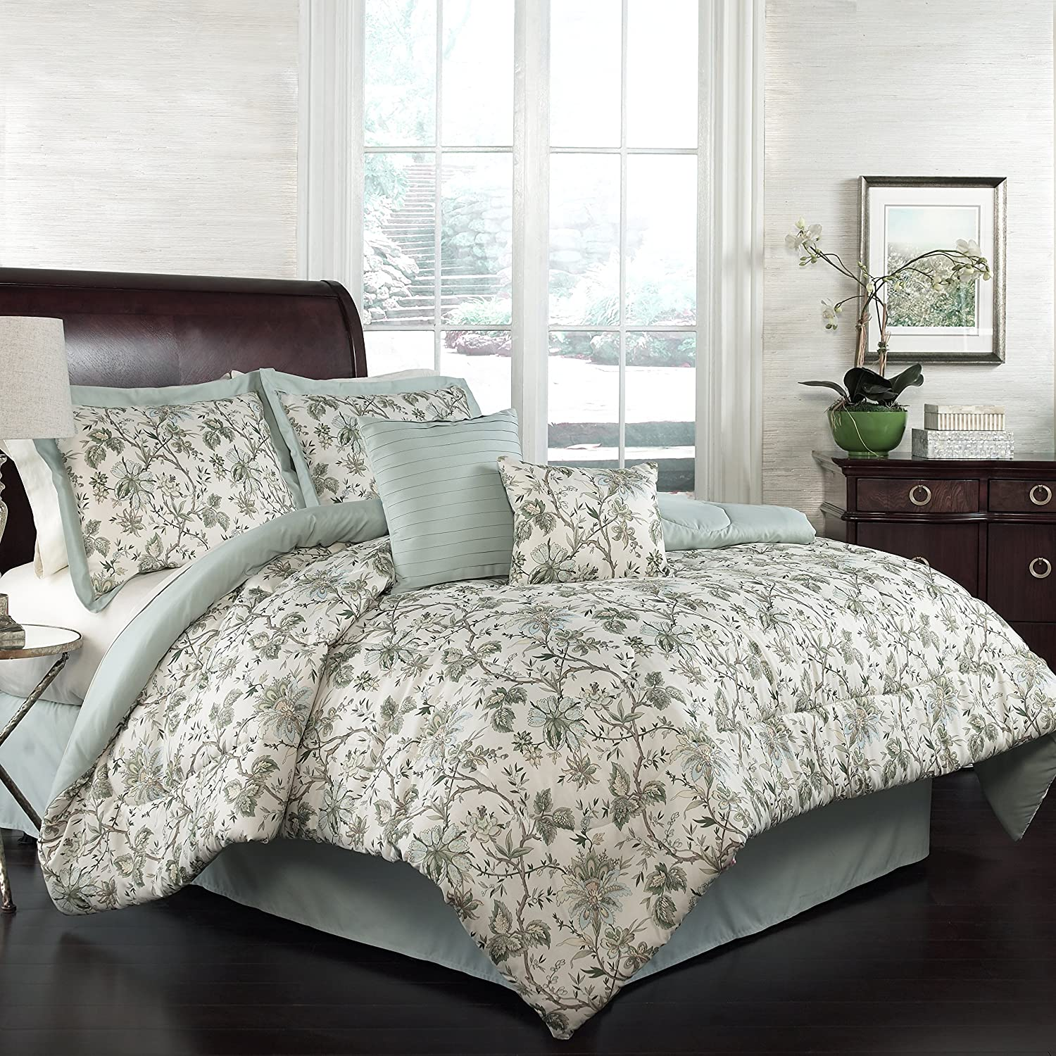 WAVERLY Felicite Set with Coordinating store Bed Pil 40% OFF Cheap Sale Skirt 2 Throw and