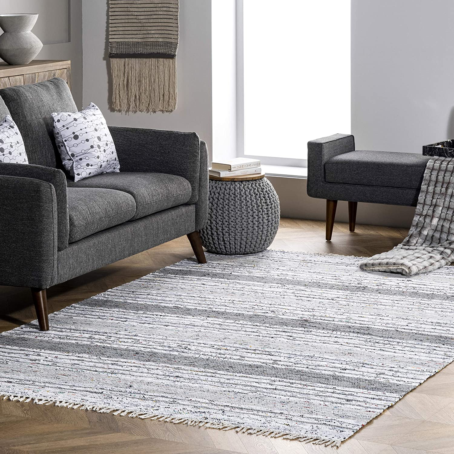 nuLOOM Regency Flatwoven Free shipping anywhere At the price in the nation Mottled Stripes Rug Area Tassels with