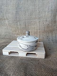 Zuccheriera marrone e bianca realizzata al torni con ceramica Nerikomi