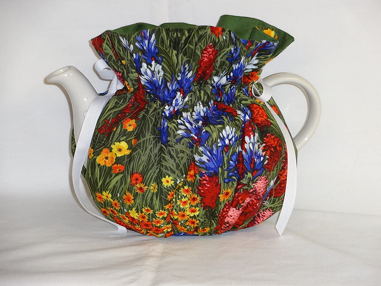 Pretty Field of Flowers 6 Cup Reversible Tea Pot Cozy