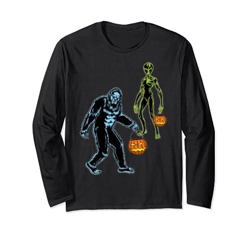 Funny Bigfoot & Space Alien Trick Or Treat Halloween Costume Long Sleeve T Shirt
