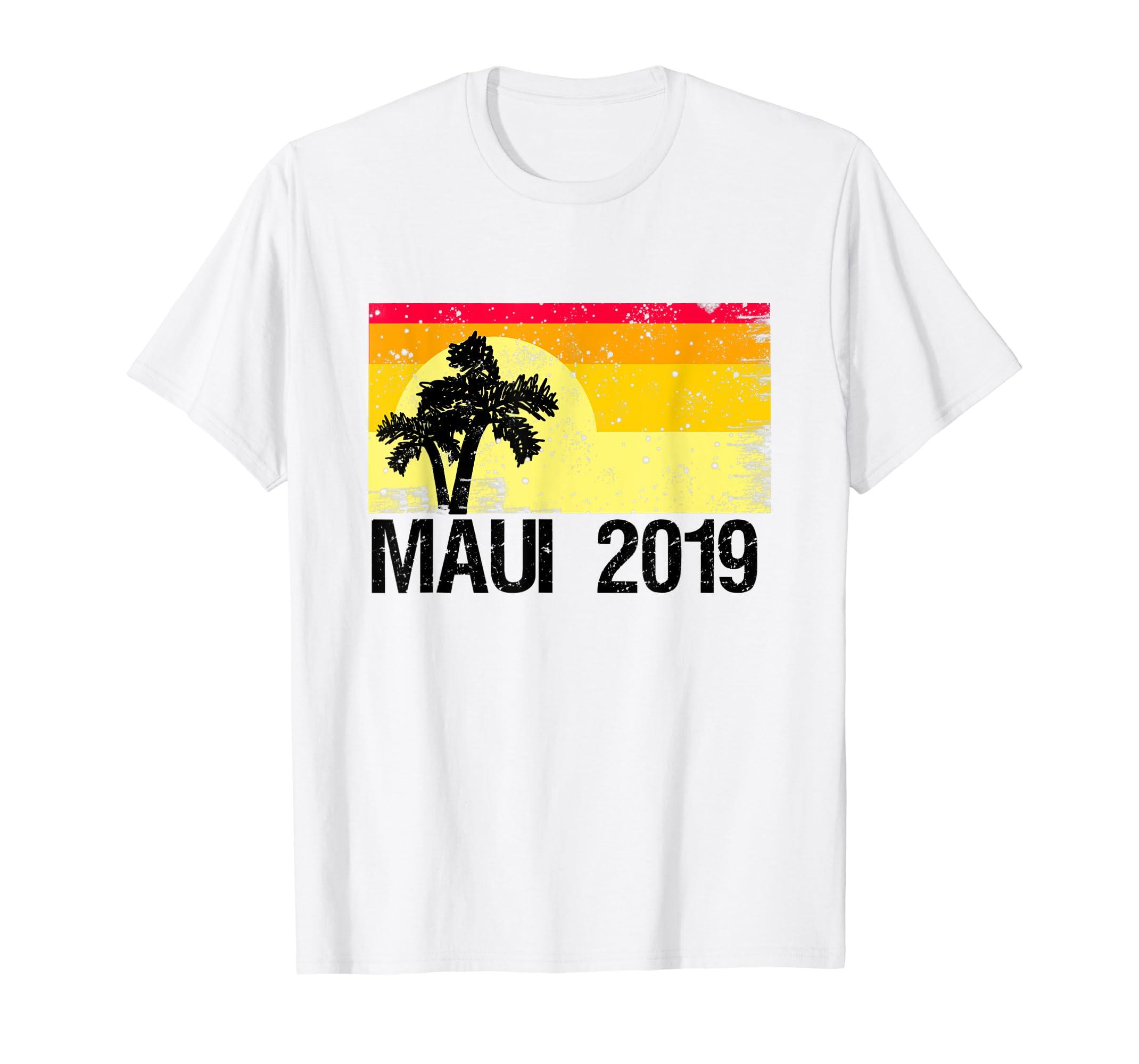 bd52d39beef Amazon.com  Maui 2019 Souvenir Vintage Distressed Hawaiian T-Shirt  Clothing