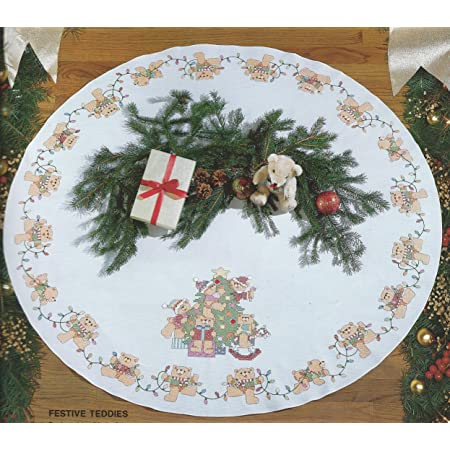 DII Christmas Holiday Tree Skirt 47 Round For Festive Christmas D/écor /& Holiday Parties Damask