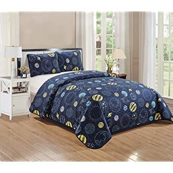 Better Home Style Space Planet Galaxy World Cosmos Kids / Boys / Toddler Navy Blue and Yellow 3 Piece Coverlet Bedspread Quilt Set With Pillowcases Little Galaxy (Full / Queen)