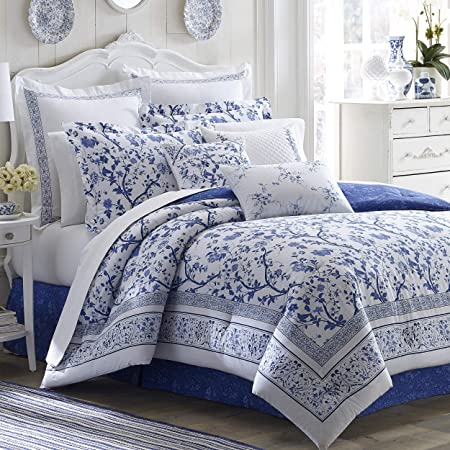 Amazon Com Laura Ashley Home Natalie Collection 5pc Luxury Ultra Soft Comforter All Season Premium Bedding Set Stylish Delicate Design For Home Décor Twin Sage Home Kitchen
