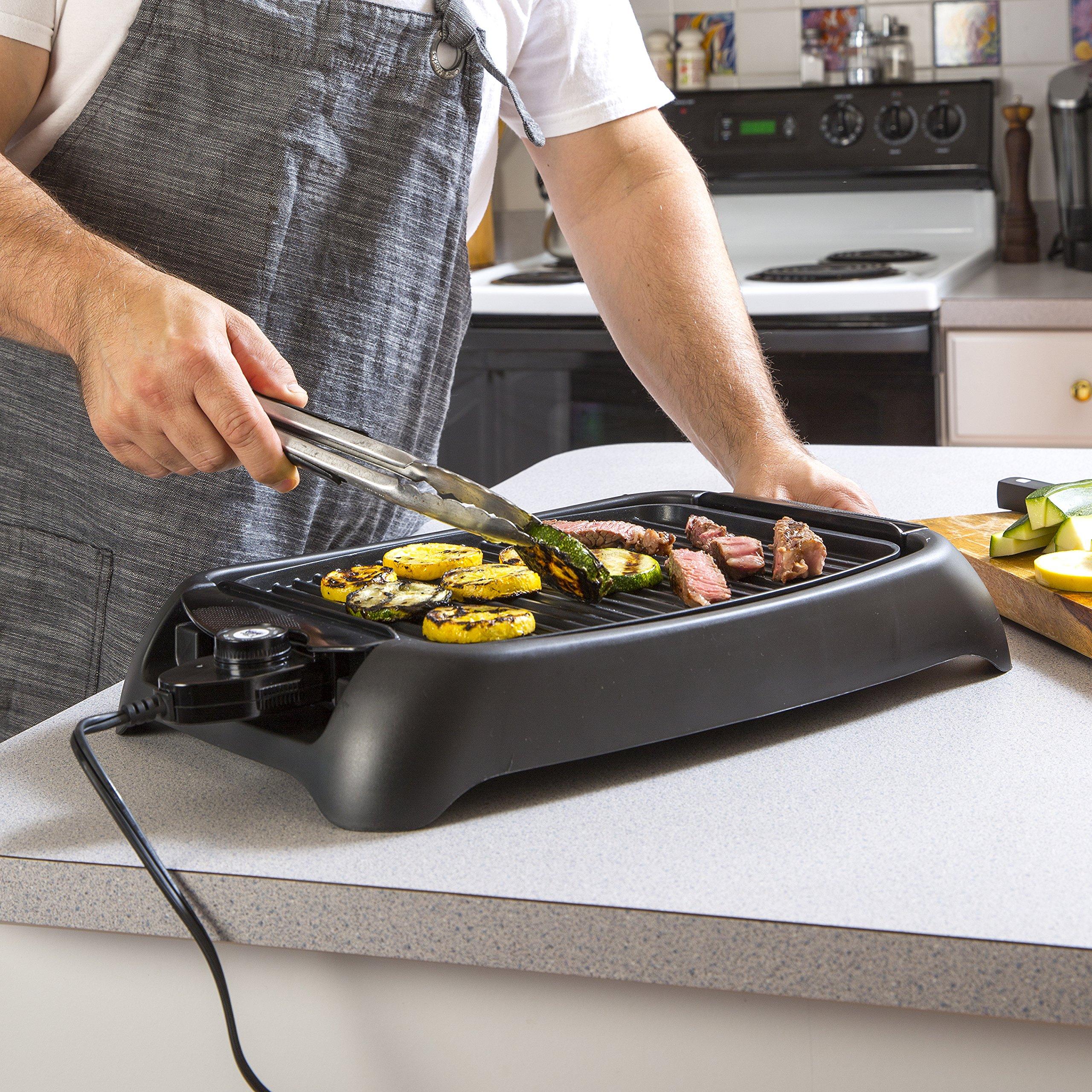 Black 13-inch Maxi-Matic EGL-3450 Indoor Grill