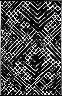 Lightweight Outdoor Reversible Durable Black Plastic Rug (6x9, Channels Black/White)