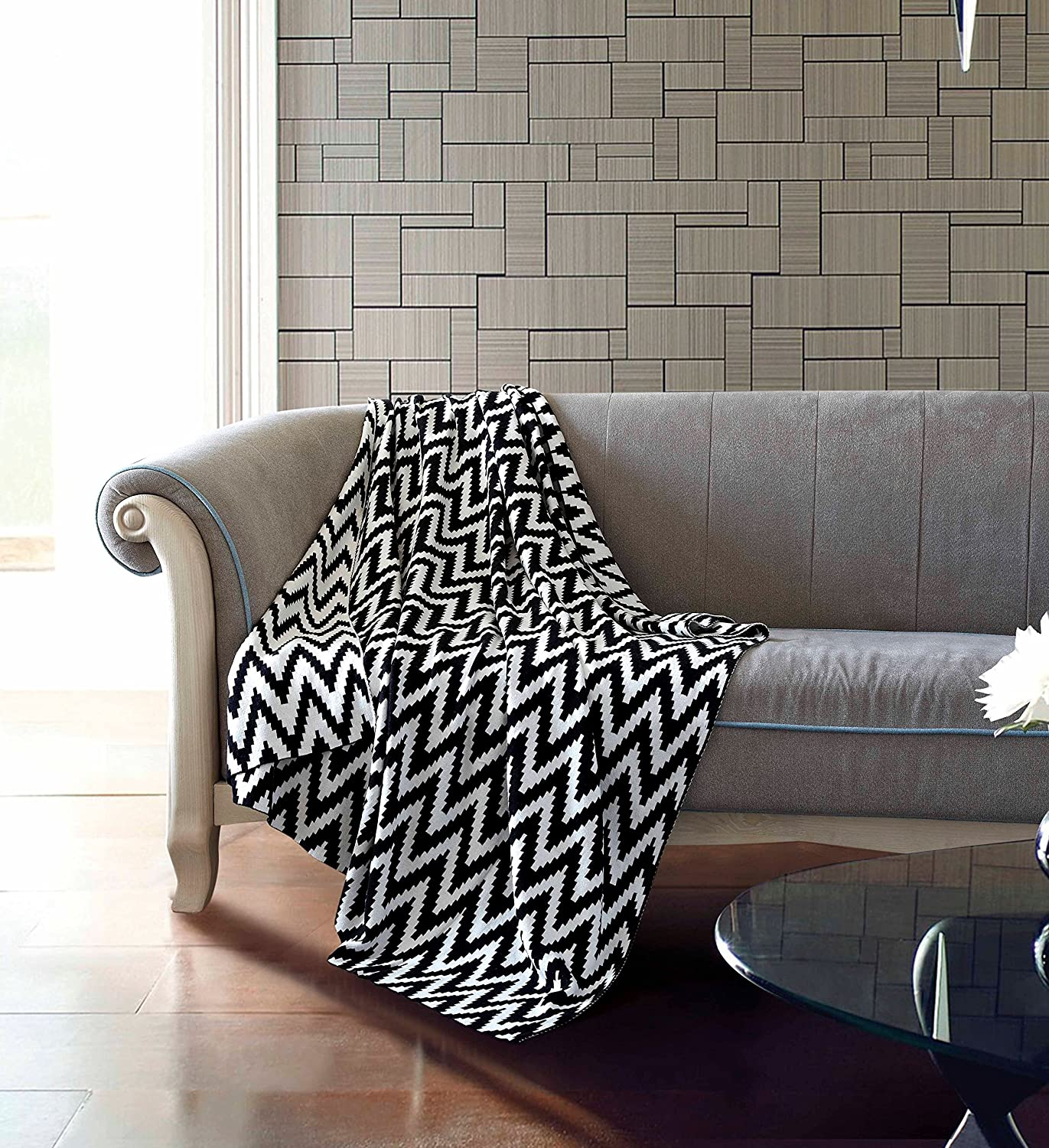 Ultra Soft Cotton Couch or Crispy Chevron 50  x 60  Throw Blanket