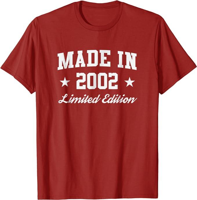 Cadeau danniversaire pour 18 ans n/é en 2002 T-Shirt