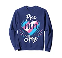 Free Mom Hugs For Transgender Pride Lgbt T-shirt Sweatshirt Navy