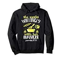 Funny Baking She Works Willingly With Her Hands T-shirt T-shirt Hoodie Black