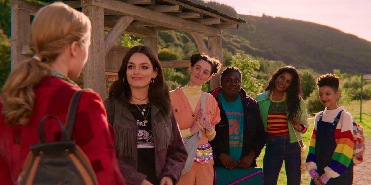 Patricia Allison, Aimee Lou Wood, Simone Ashley, Tanya Reynolds, Emma Mackey, and Chinenye Ezeudu in Sex Education (2019)