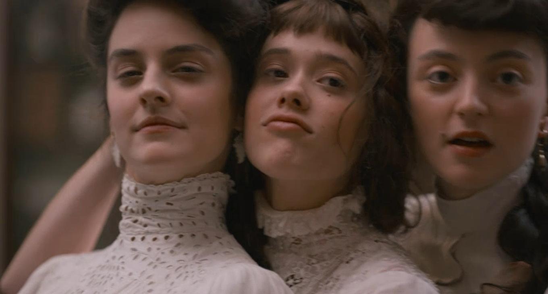 Mélodie Richard, Noémie Merlant, and Mathilde Warnier in Curiosa (2019)