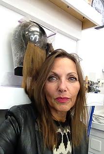 Bernadette Mazur Picture