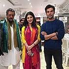 Gulshan Grover, Shruti Haasan, and Rajkummar Rao in Behen Hogi Teri (2017)