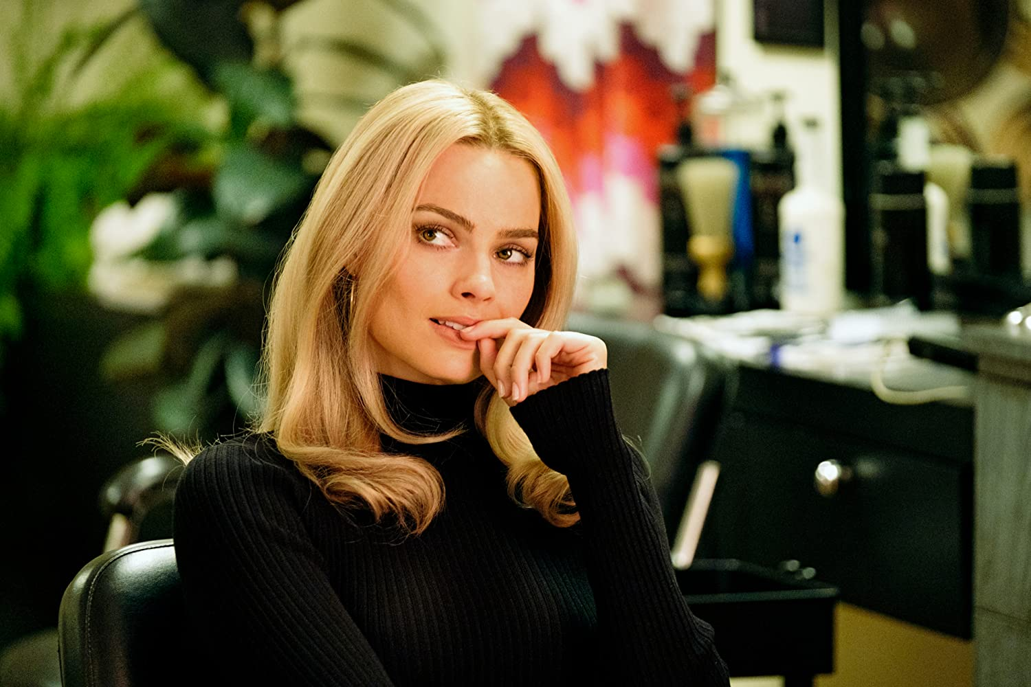 Margot Robbie in Once Upon a Time ... in Hollywood (2019)