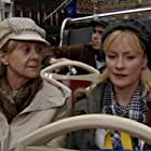 Rosalind Ayres and Claire Skinner in Outnumbered (2007)