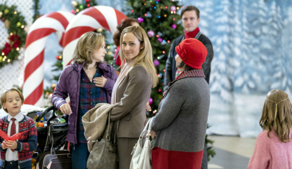 A Dream Of Christmas Cast.A Dream Of Christmas Tv Movie 2016 Photo Gallery Imdb