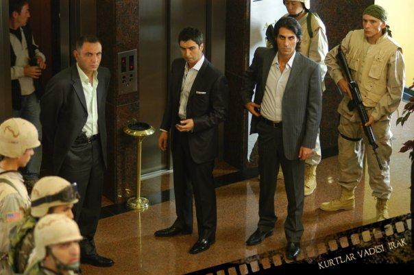 Necati Sasmaz, Gürkan Uygun, and Kenan Çoban in Kurtlar Vadisi: Irak (2006)