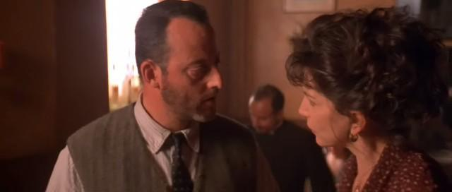 Jean Reno and Mercedes Ruehl in Roseanna's Grave (1997)