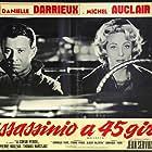Michel Auclair and Danielle Darrieux in Meurtre en 45 tours (1960)