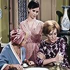 Despo Diamantidou, Katerina Gogou, and Maro Kodou in I de gyni na fovitai ton andra (1965)
