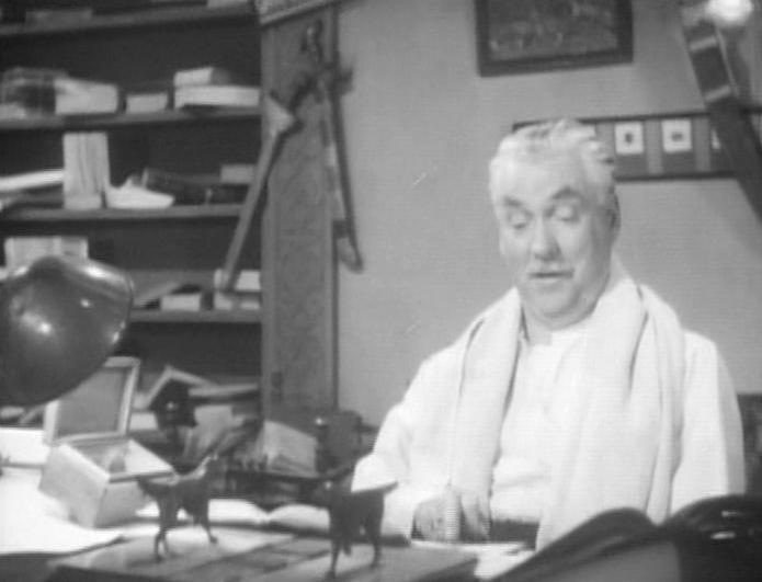 Nigel Bruce in Dressed to Kill (1946)