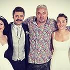 Hakan Algül, Emre Karayel, Sahin Irmak, Gonca Vuslateri, and Irem Sak in Dügüm Salonu (2018)