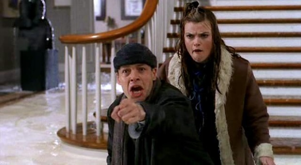 Missi Pyle and French Stewart in Home Alone 4: Taking Back the House (2002)
