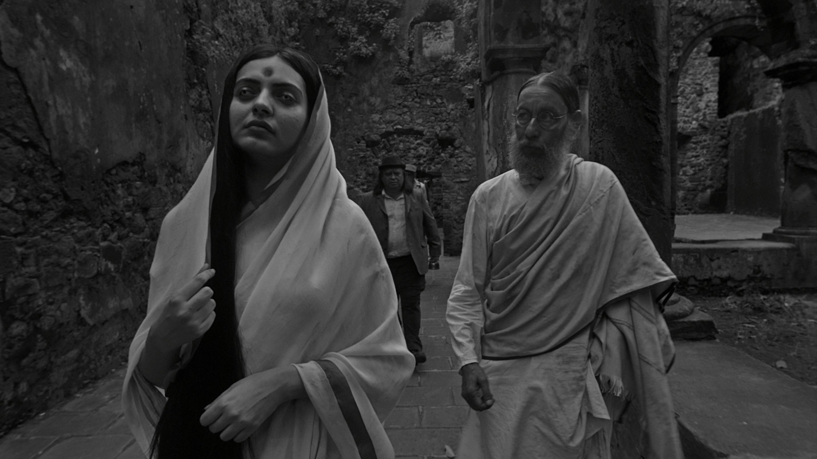 Robin Das and Niharika Singh in The Field Guide to Evil (2018)