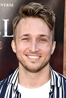 Shayne Topp Picture