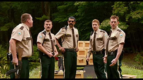 When a border dispute arises between the U.S. and Canada, the Super Troopers are tasked with establishing a Highway Patrol station in the disputed area.