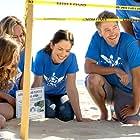 Chad Michael Murray, Minka Kelly, Donny Boaz, Alyshia Ochse, and Havana Blum in The Beach House (2018)