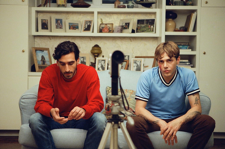 Xavier Dolan and Gabriel D'Almeida Freitas in Matthias et Maxime (2019)
