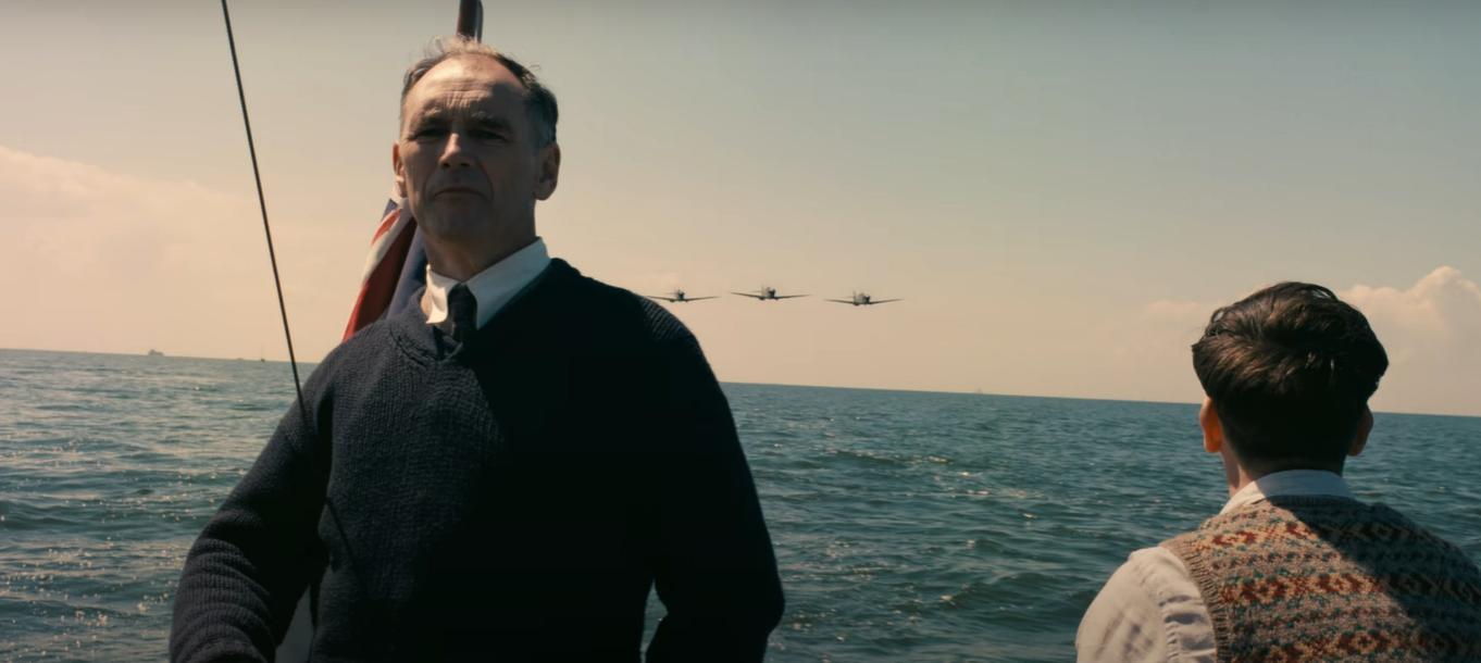 Mark Rylance and Barry Keoghan in Dunkirk (2017)