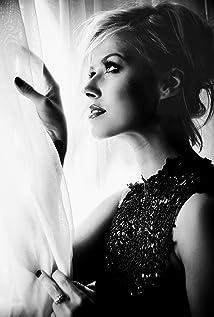 Sasha Jackson Picture