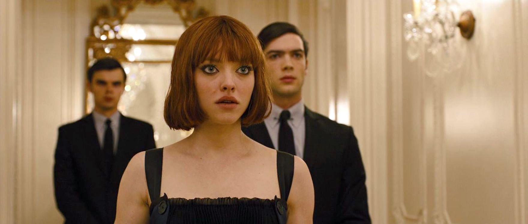 Ethan Peck dan Amanda Seyfried dalam In Time (2011)