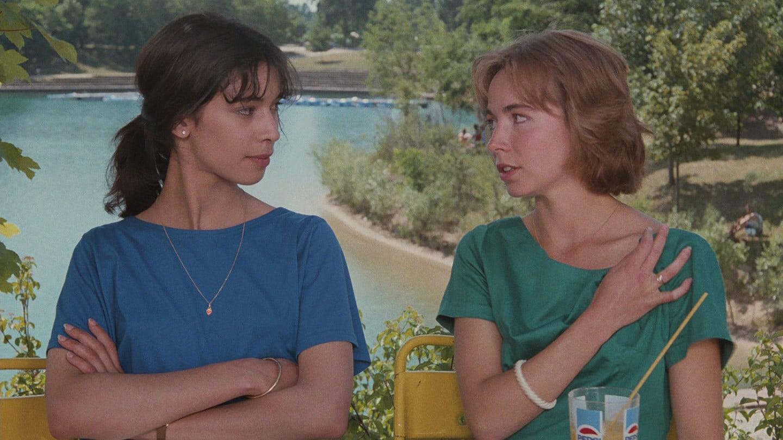 Emmanuelle Chaulet and Sophie Renoir in L'ami de mon amie (1987)