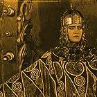 Margarete Schön in Die Nibelungen: Kriemhilds Rache (1924)