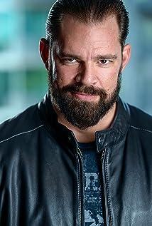 Derek Russo Picture