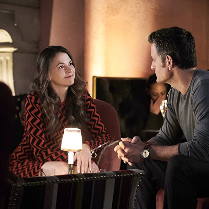 Peter Hermann and Sutton Foster in Younger (2015)