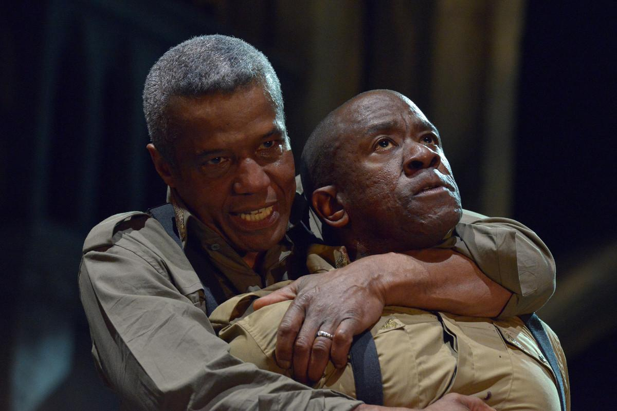Hugh Quarshie and Lucian Msamati in RSC Live: Othello (2015)