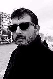 Alfonso S. Suárez Picture