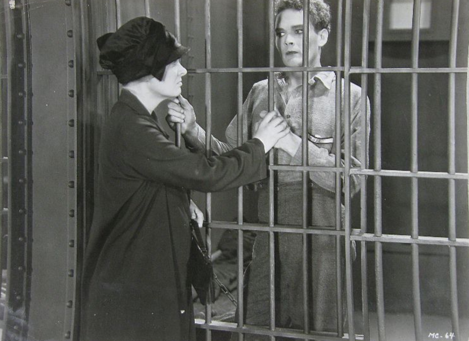 Dorothy Peterson and Edward Woods in Mothers Cry (1930)