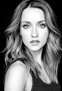 Emily Tennant Picture