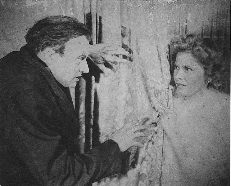 Mary Carlisle and Dwight Frye in Dead Men Walk (1943)