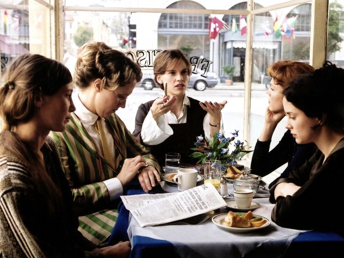 Hilary Swank, Vera Farmiga, Laura Fraser, Frances O'Connor, and Brooke Smith in Iron Jawed Angels (2004)