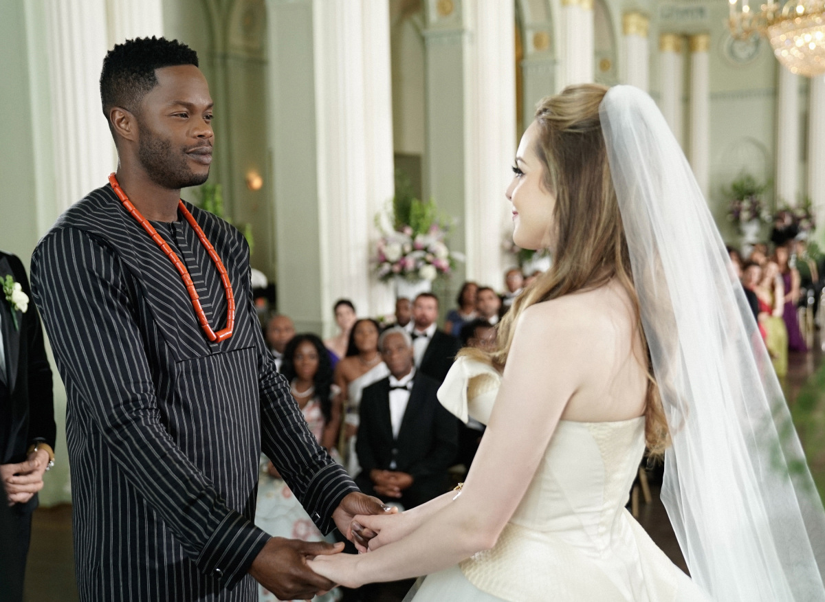 Elizabeth Gillies and Sam Adegoke in Dynasty (2017)