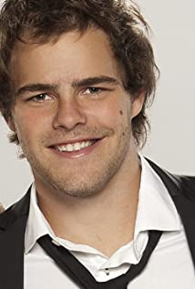 Peter Lanzani Picture