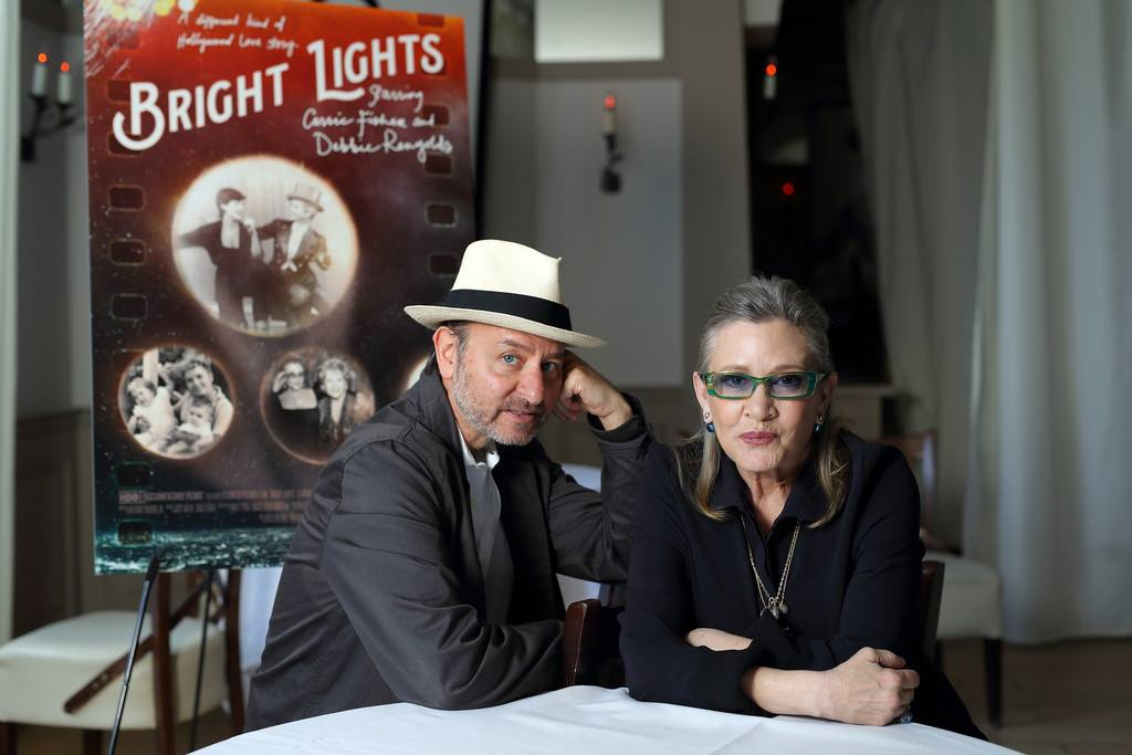 bright lights starring carrie fisher and debbie reynolds 2016